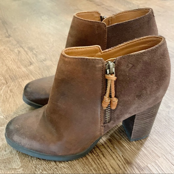 NEW! Sperry Distressed Leather Booties